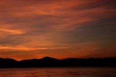 พระอาทิตย์ลงสรง หน้าเกาะ Photo by Oiewong