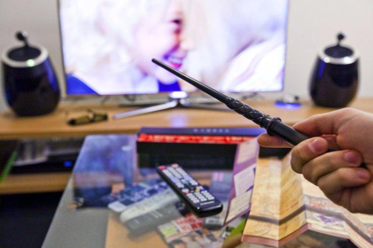 IT'S NOT A REMOTE, IT'S A MAGIC เปลี่ยนช่องโทรทัศน์ ด้วยไม้กายสิทธิ์ 13 - Kymera Magic Wand Remote Control