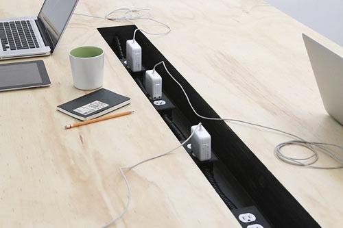 25560218 084027 โต๊ะนี้ไว้ร่วมกันทำงาน..PERFECT FOR COWORKING