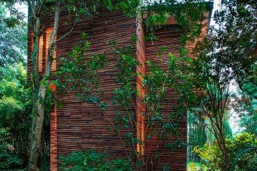 บ้านที่เน้นกลมกลืนกับต้นไม้..เลือกที่จะเพิ่มพื้นที่ในแนวตั้ง เพื่อเก็บต้นไม้ไว้อยู่เป็นเพื่อนกัน 13 - townhouse
