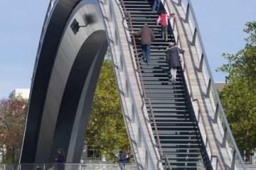 Melkweg Bridge by NEXT Architects สะพานที่สร้างความสุนทรีย์แก่ผู้สัญจรทางเท้า และจักรยาน 2 - bridge