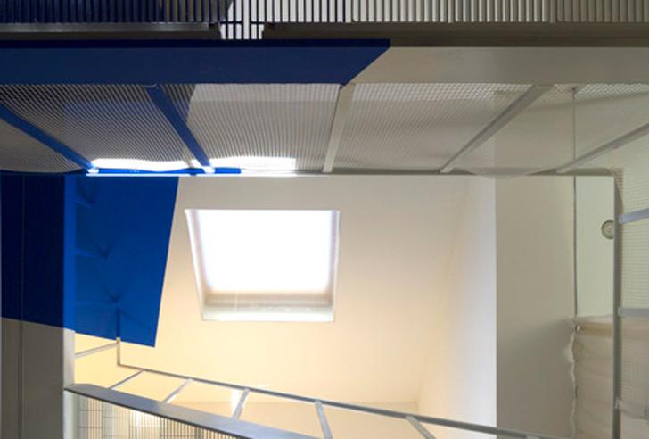 Transforming a laundry by Alain Hinant 4 เปลี่ยนอาคารซักรีด..ให้กลายเป็นบ้านน่าอยู่ของศิลปิน