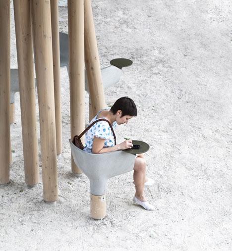 25560320 095026 งานออกแบบ Wi Fi stations ..ในกรุงปารีส สวยงามร่มรื่น น่านั่งยิ่งนัก