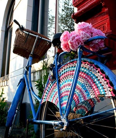 25560323 083556 แต่งแต้มสีสันให้ล้อจักรยานด้วยไหมพรม