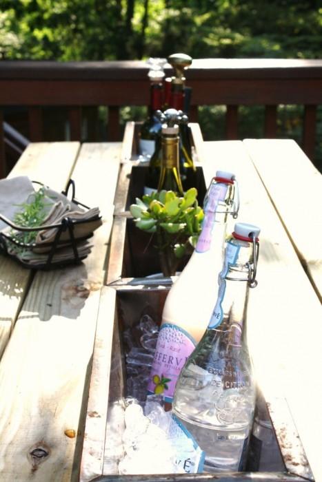 25560405 113846 โต๊ะติดรางน้ำฝน ไว้ใส่น้ำแข็งแช่เครื่องดื่ม ดับร้อน ประหยัดไฟ