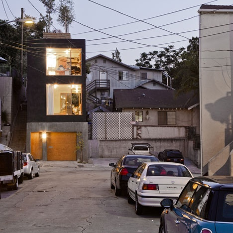 25560419 172126 Eel's Nest บ้านแคบๆ ใน LA ที่ได้แรงบันดาลใจจากบ้านแคบๆในญี่ปุ่น
