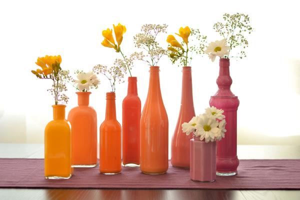 botellas pintadas 10 DIY เปลี่ยนขวดใช้แล้ว เป็นแจกันสีสันสวยงาม
