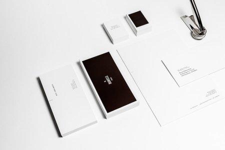1671818 slide thermo sensative cards 039 450x300 Heat Sensitive Business Cards Are Like Touchable Polaroids  นามบัตรเคลือบด้วยน้ำหมึกสีดำ ตอบสนองกับอุณหภูมิร่างกาย