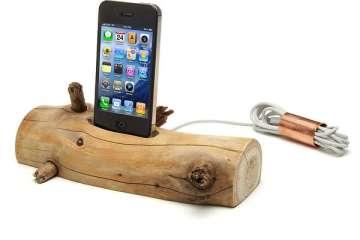 แท่นชาร์ต iPhone จากท่อนไม้ที่เก็บได้ตามชายหาด..นี่ล่ะ Organic Minimalism 20 - Charging Dock