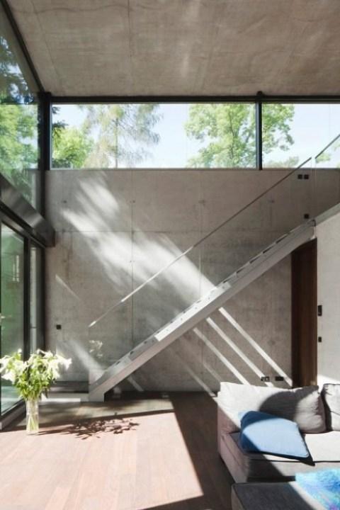 25560503 170307 Modern House..เชื่อมต่อภายนอกและภายในด้วย..คอนกรีต กระจกใส ไม้ และหิน