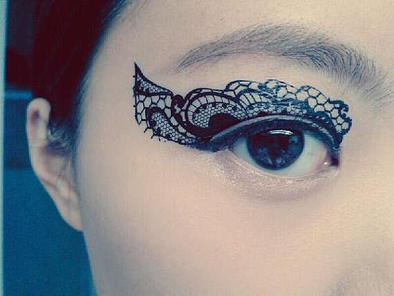 25560511 211433 Eye Tattoos..แฟชั่นใหม่ของการตกแต่งดวงตา