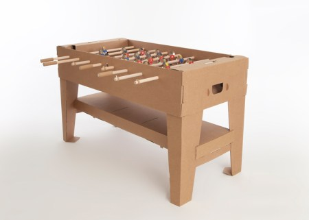 img 4 1368442071 ad32981809936e30b75ea1383e0ba100 450x321 Foosball table from cardboard