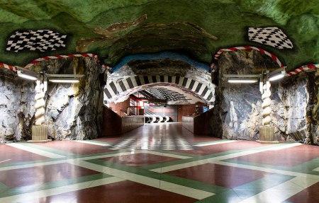 121 450x287 world's longest art exhibition @สต็อกโฮล์ม สถานีรถไฟใต้ดินที่ได้ชื่อว่า เป็นแกลเลอรี่ศิลปะที่ยาวที่สุดในโลก
