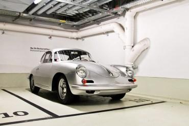 Porsche Museum พิพิธภัณฑ์ของรถพอร์ช ประเทศเยอรมนี 23 - Museum