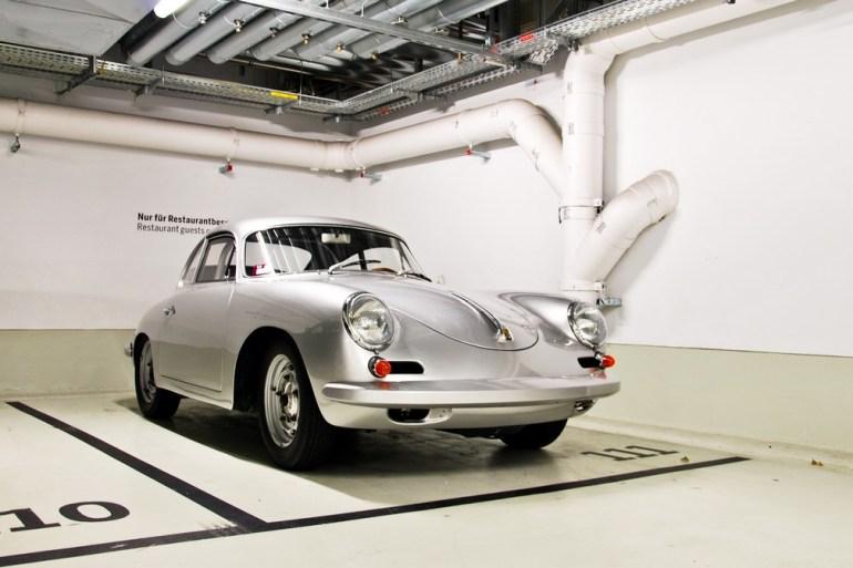 Porsche Museum พิพิธภัณฑ์ของรถพอร์ช ประเทศเยอรมนี 22 - Museum