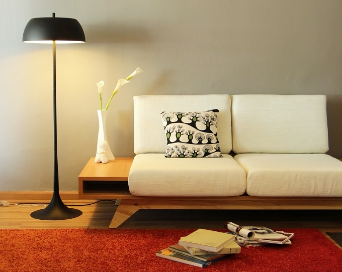 25560602 163513 Modern Sofa ..เหมาะกับบ้านสมัยใหม๋ โต๊ะข้างช่วยเพิ่มพื้นที่กลายเป็นที่นอน