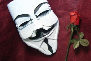 DIY พับกระดาษเป็นหน้ากาก Guy Fawkes 13 - Guy Fawkes mask
