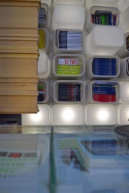 25560630 181316 จากกล่อง Ikea มาเป็นเฟอร์นิเจอร์สุดโมเดิร์น @ mommo design studio