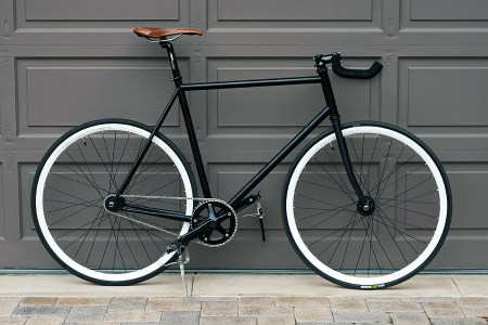 FixedGearComplete 450x300 Pick The Right Gear เลือกจักรยานให้เหมาะสมกับตัวเอง