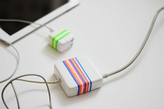 25560706 122844 DIY ใช้หนังยางสีสันสดใส สร้างความแตกต่างให้กับหัวปลั๊กชาร์ตแบต
