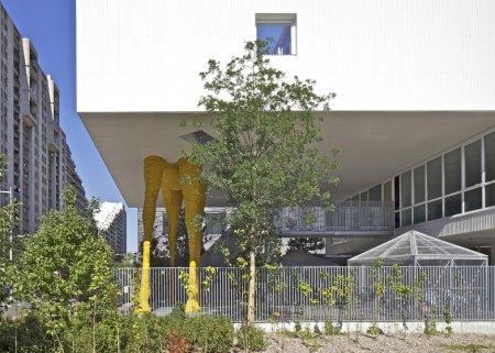 Dezeen_Giraffe-Childcare-Centre-by-Hondelatte-Laporte-Architectes_SS_11