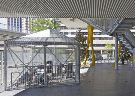 Dezeen Giraffe Childcare Centre by Hondelatte Laporte Architectes SS 7 450x321 Giraffe Childcare Centre ตึกยีราฟในกรุงปารีส