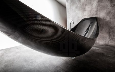 splinter-works-vessel-carbon-fibre-hammock-bathtub-designboom-05
