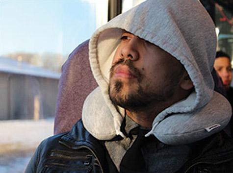 travel-hoodiepillow-hooded-travel-pillow-1