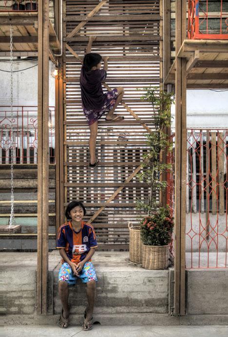 Dezeen 6 Klong Toey Community Lantern by TYIN tegnestue 6 แสงสว่างเล็กๆในพื้นที่ชุมชนคลองเตย