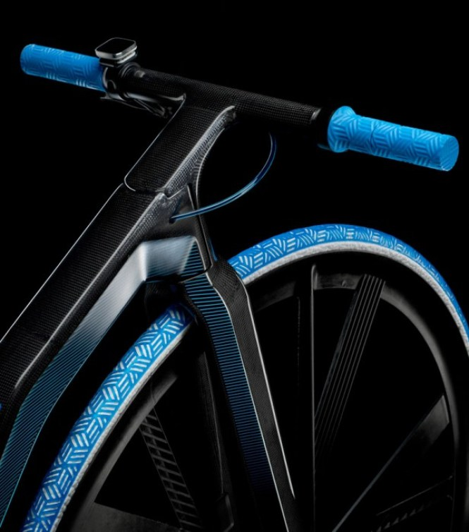 ding300-electric-velocipede-designboom07