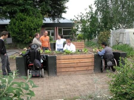 terrafm09 450x337 TERRAform สวนบำบัดสำหรับคนชรา+คนพิการ ปลูกความสุขกับต้นไม้