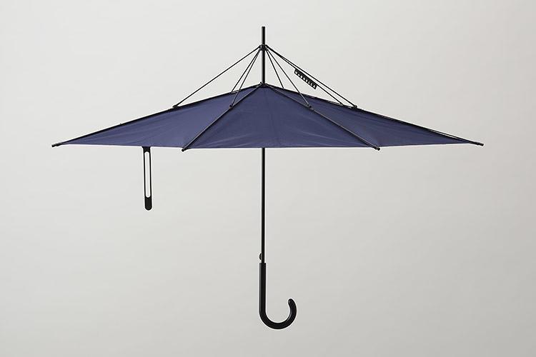 3023487 slide s umbrella 05 Clever Umbrella : UnBrella