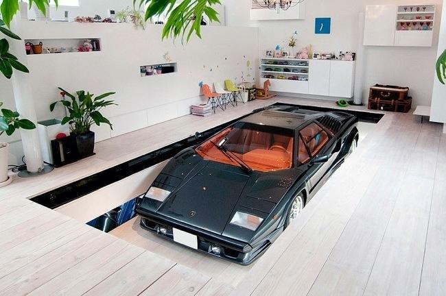 บ้านที่มีที่จอดรถ 9 คัน และต้องมีที่จอด Lamborghini ในห้องรับแขก 13 -