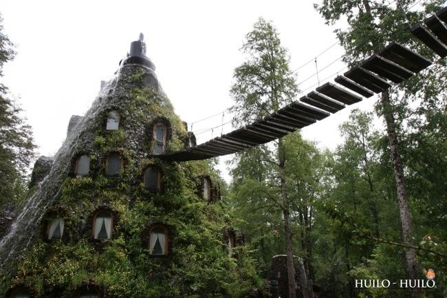 โรงแรมรูปทรงภูเขาไฟที่ปล่อยน้ำตกแทนลาวา และปกคลุมด้วยต้นไม้ ในชิลี 13 - Magic Mountain Lodge