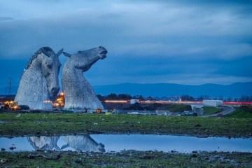 ประติมากรรมหัวม้า..ตัดกับเส้นขอบฟ้า ของสก็อตแลนด์ 21 -