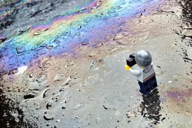 25570222 160245 ภาพการพจญภัยของช่างภาพเลโก้ตัวจิ๋ว จาก iPhone