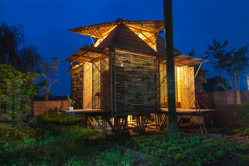 h+p architects bamboo house designboom07 Flood Resistant Home บ้านต้านน้ำท่วม