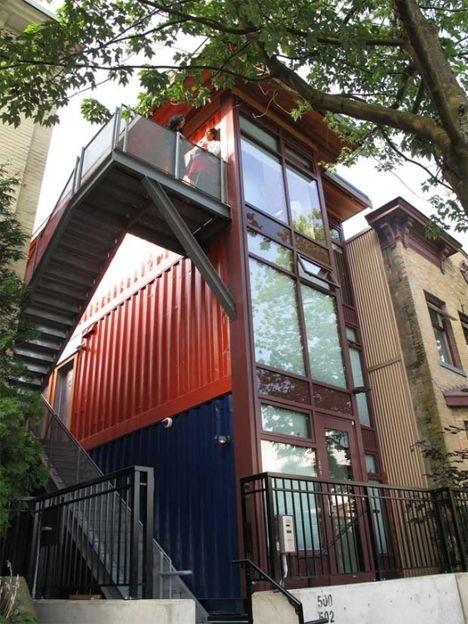 25570301 151521 บ้านราคาถูกจากตู้คอนเทนเนอร์เก่าเพื่อผู้มีรายได้น้อย ในเมืองแวนคูเวอร์