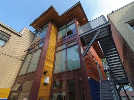 บ้านราคาถูกจากตู้คอนเทนเนอร์เก่าเพื่อผู้มีรายได้น้อย ในเมืองแวนคูเวอร์ 13 - ตู้คอนเทนเนอร์