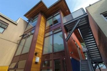 บ้านราคาถูกจากตู้คอนเทนเนอร์เก่าเพื่อผู้มีรายได้น้อย ในเมืองแวนคูเวอร์ 16 - บ้านจากตู้คอนเทนเนอร์