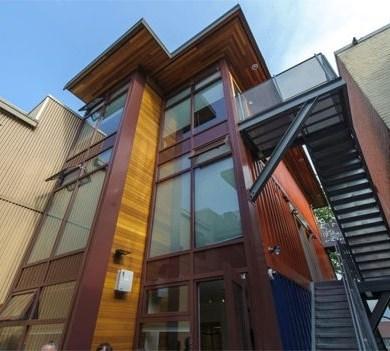 บ้านราคาถูกจากตู้คอนเทนเนอร์เก่าเพื่อผู้มีรายได้น้อย ในเมืองแวนคูเวอร์ 16 - ตู้คอนเทนเนอร์