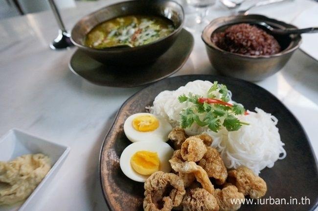 25570308 171438 ช้อน@The Siam..ร้านอาหารเรือนไทยอายุกว่า100ปี ริมแม่น้ำเจ้าพระยา เชิงสะพานซังฮี้