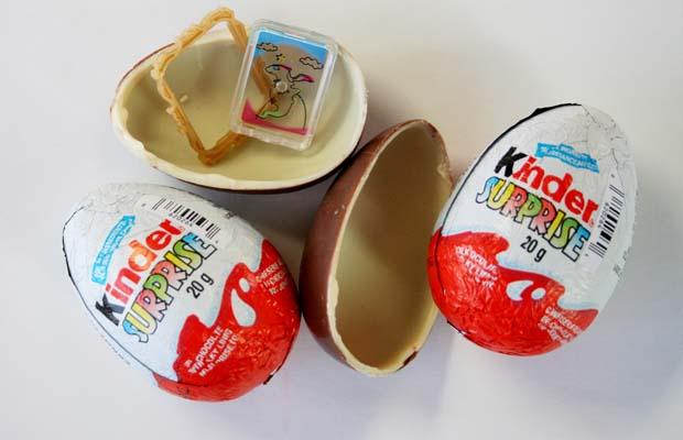2353198 Kinder Surprise ขนมรูปไข่คินเนอร์ เซอร์ไพรช์ ละลายในอากาศร้อน ไม่ละลายในอากาศหนาว