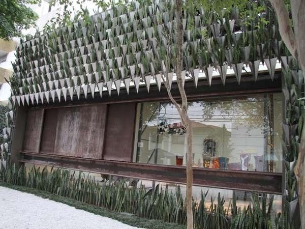 25570402 193549 สวนแนวตั้ง จากกระถางอลูมินัมและต้นไม้ 6,000 ต้น ที่ Firma Casa