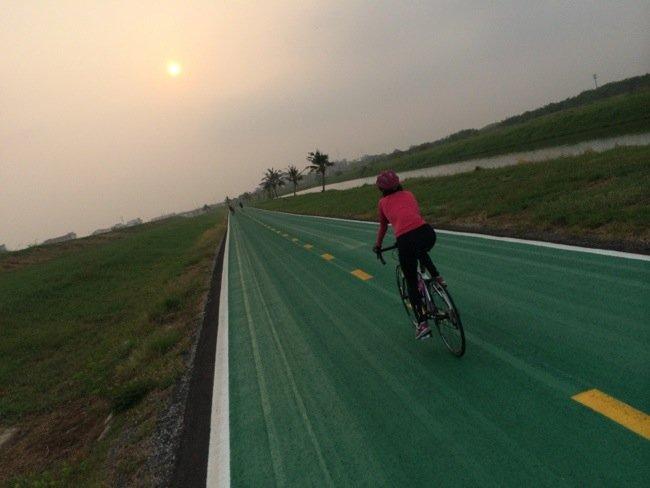 25570420 210419 สนามบินสุวรรณภูมิ เปิดถนนสีเขียว..ทางสำหรับจักรยานเท่านั้น รถห้ามวิ่ง
