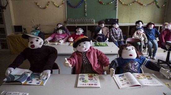 20140510 102430 เมื่อผู้คนทิ้งหมู่บ้านไปอยู่เมืองใหญ่ ศิลปินจึงสร้างที่นี่เป็น หุบเขาตุ๊กตา