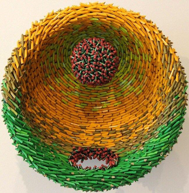20140522 121610 44170000 ประติมากรรมจากแท่งดินสอสี