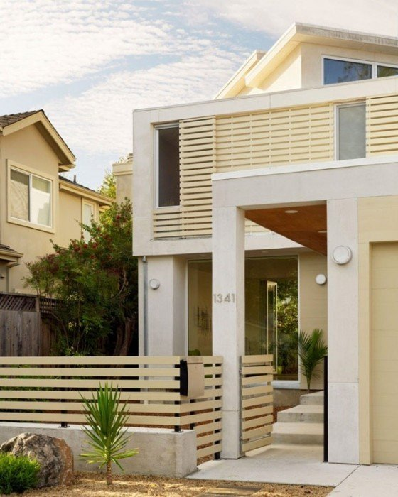 25570514 174852 บ้านที่เปิดโล่งเชื่อมโยงภายในกับสวนทั้งชั้นบนและล่าง