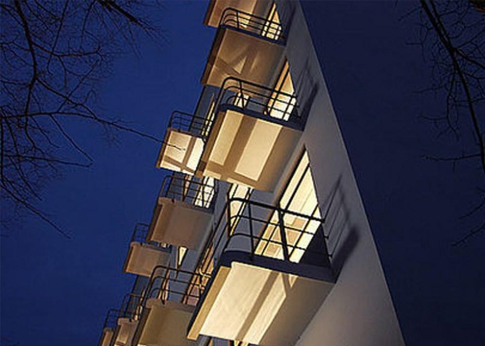 sds นอนหลับทับประวัติศาสตร์  Bauhaus School Hostel