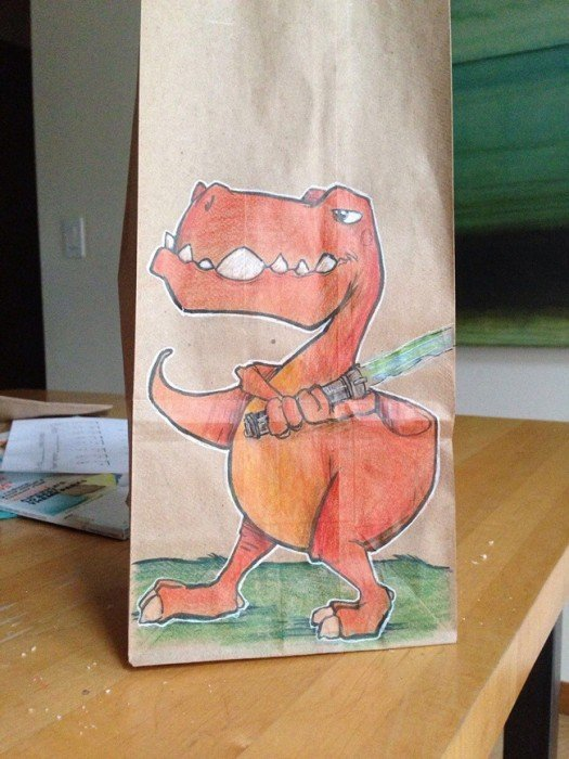 20140620 201919 73159938 ยอดคุณพ่อนักวาด.. วาดภาพการ์ตูนบนถุงอาหารกลางวันของลูกชายทุกวันตลอด2ปี